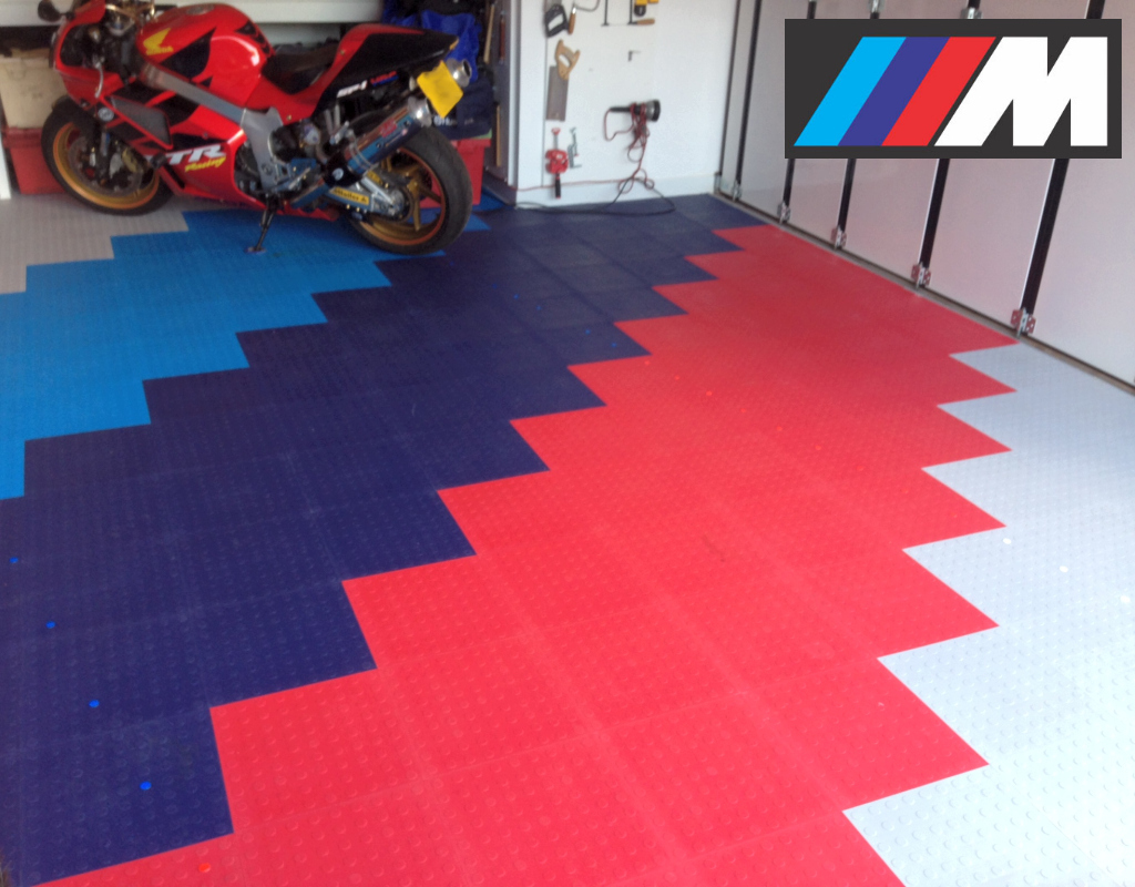 BMW Motorsport  themed floor colours.