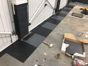 Mototiles black and grey colour style